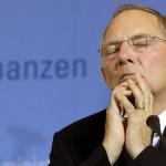 Bundesfinanzminister Wolfgang Schäuble (CDU) am Donnerstag (27.05.2010) während einer Pressekonferenz im Bundesfinanzministerium in Berlin. Zuvor hatte sich Schäuble in einem anderhalbstündiges Gespräch mit US-Finanzminister Geithner über die europäische Finanzkrise unterhalten. Foto: Wolfgang Kumm dpa/lbn +++(c) dpa - Bildfunk+++