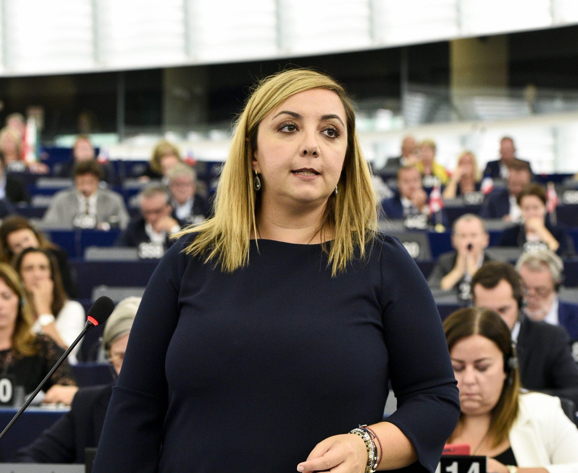 L'eurodeputata Isabella Adinolfi